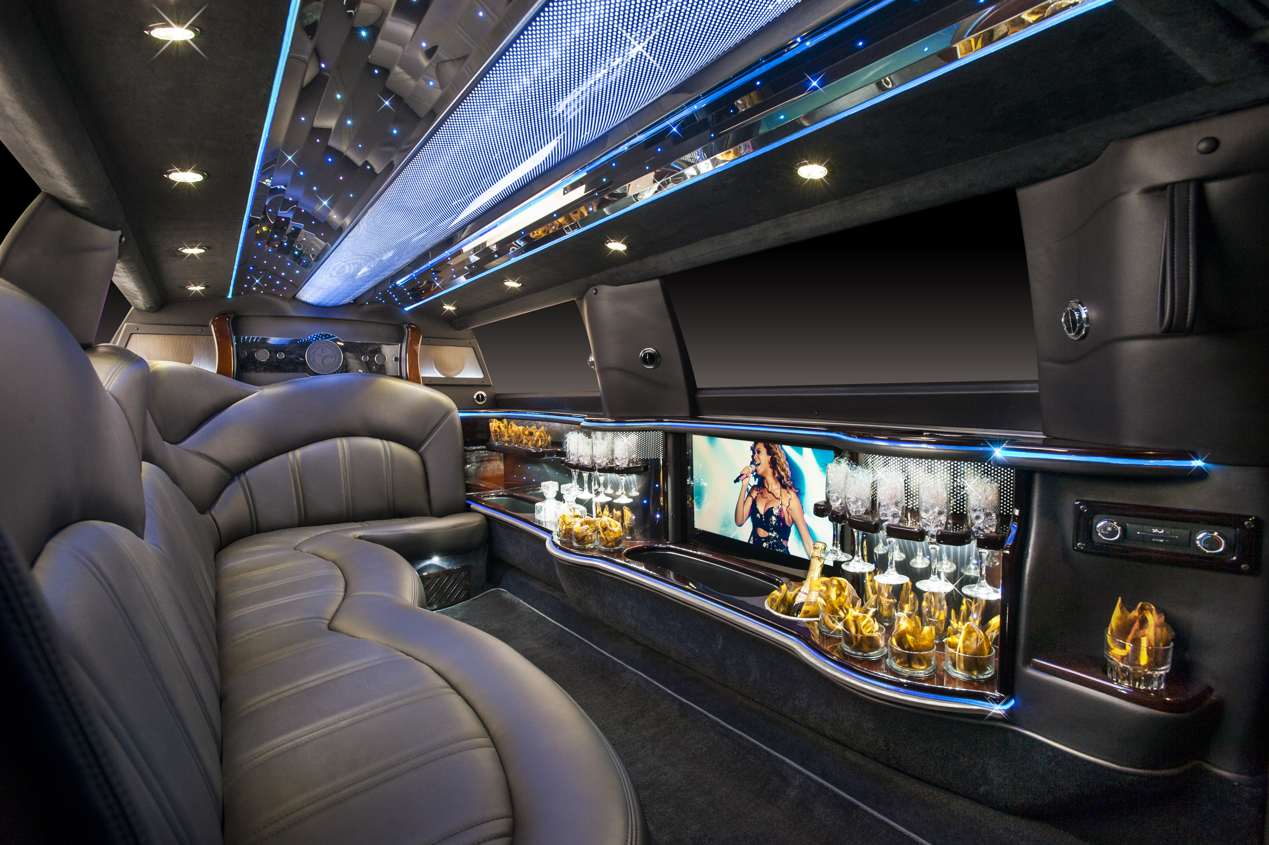Quot The Chairman Quot Lincoln Mkt Stretch Limousine On The Town Limousines